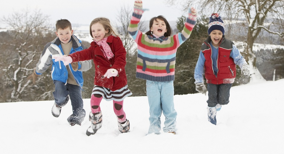 Kids' Winter Clothes and Clothing Accessories Keep your children warm whether they're on or off the slopes with kids' winter clothing from fishingrodde.cf We offer affordable prices on top brands for children's winter gear and clothes, including jackets, hats, gloves, boots and more.