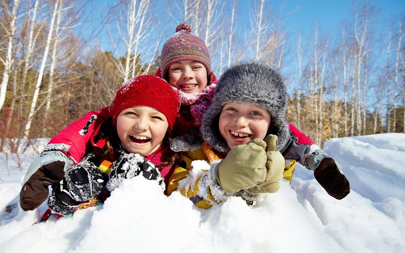 Winter fun activities for kids buy warm winter clothes for Warm winter family vacations