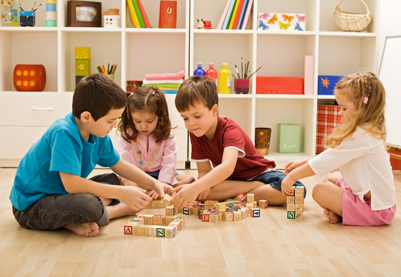 Some best indoor games for kids baby couture india for Indoor play activities