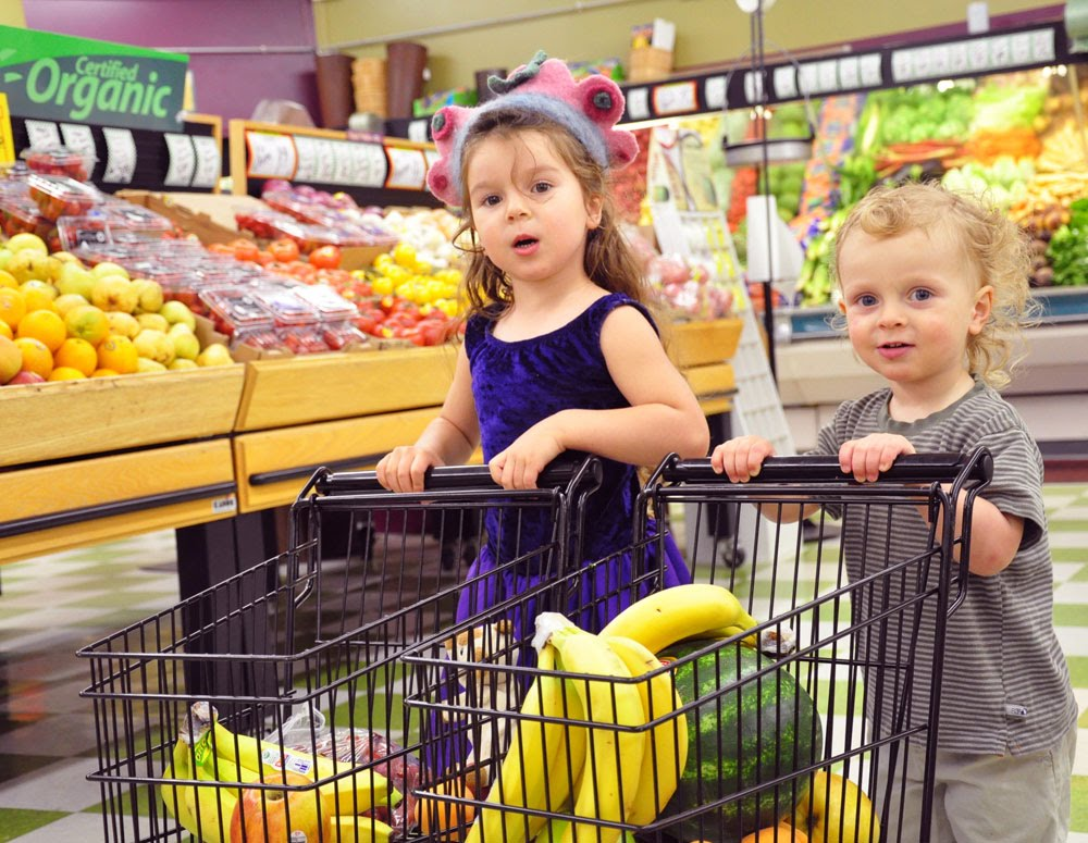 There are definitely some things you should put in your shopping cart in the name of your child's health and well-being. Your precariously placed child should not be one of them—especially given that more than 20, children a year are treated in US emergency departments for reported shopping.