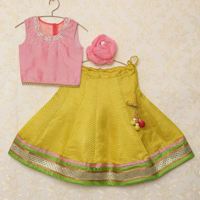 saka_traditional_brocade_kids_lehnga_choli_set