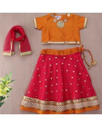 Saka Ethnic Charming Designer Kids Lehnga Choli Set1